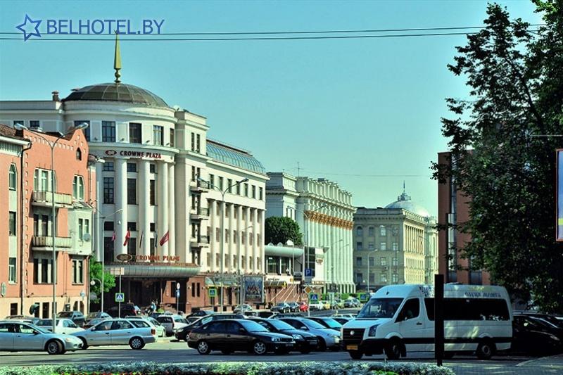 Hotels in Belarus - hotel Crowne Plaza Minsk - External appearance