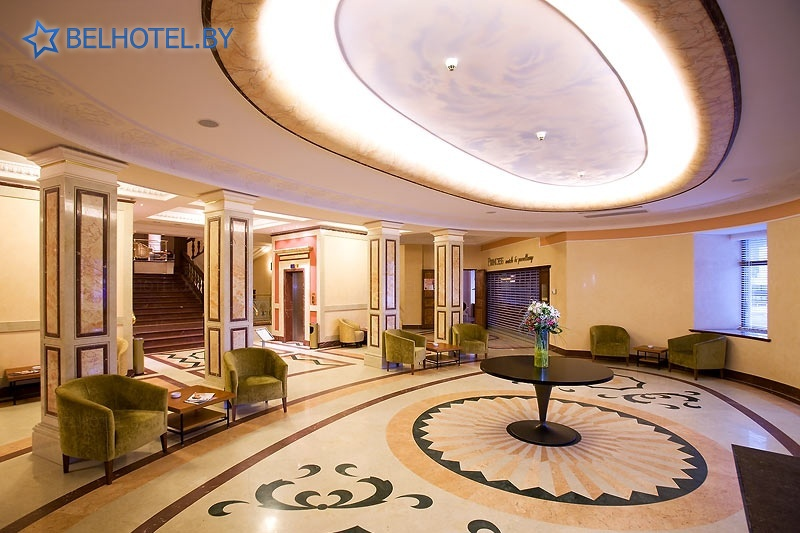 Гостиницы Белоруссии Беларуси - отель Кроун Плаза Минск / Crowne Plaza Minsk - Регистратура, холл