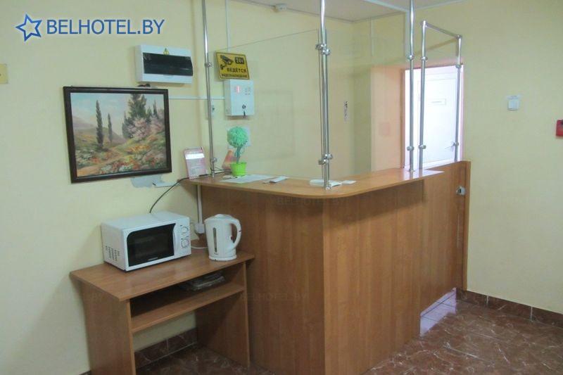 Гостиницы Белоруссии Беларуси - гостиница Дзержинск - Регистратура, холл