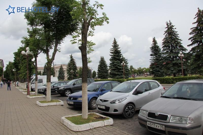 Гостиницы Белоруссии Беларуси - гостиница Молодечно - Автостоянка