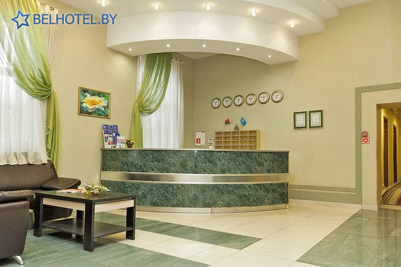 Гостиницы Белоруссии Беларуси - гостиница У фонтана - Регистратура, холл