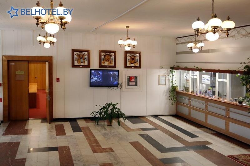 Гостиницы Белоруссии Беларуси - гостиница Агат - Регистратура, холл