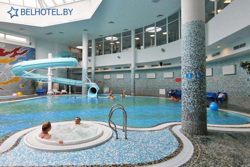 Hotels in Belarus - hotel Belarus Minsk - Swimming pool