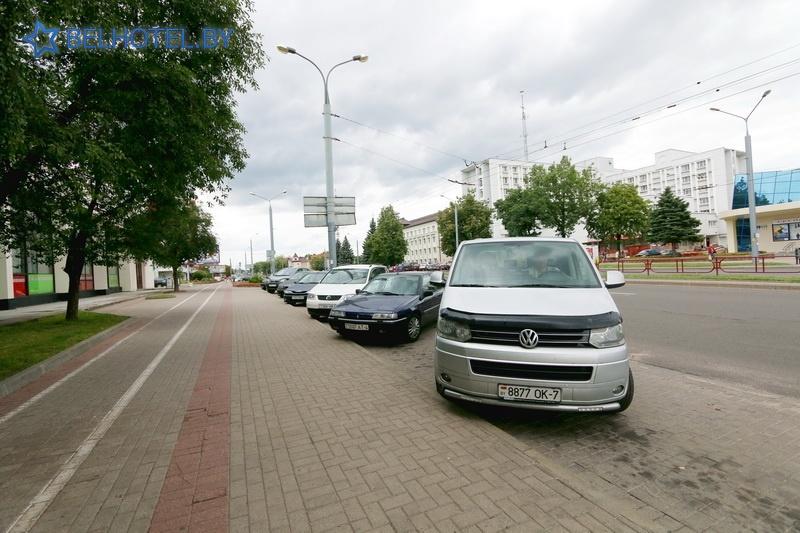 Гасцініцы Беларусі - гасцініца Беларусь - Паркоўка