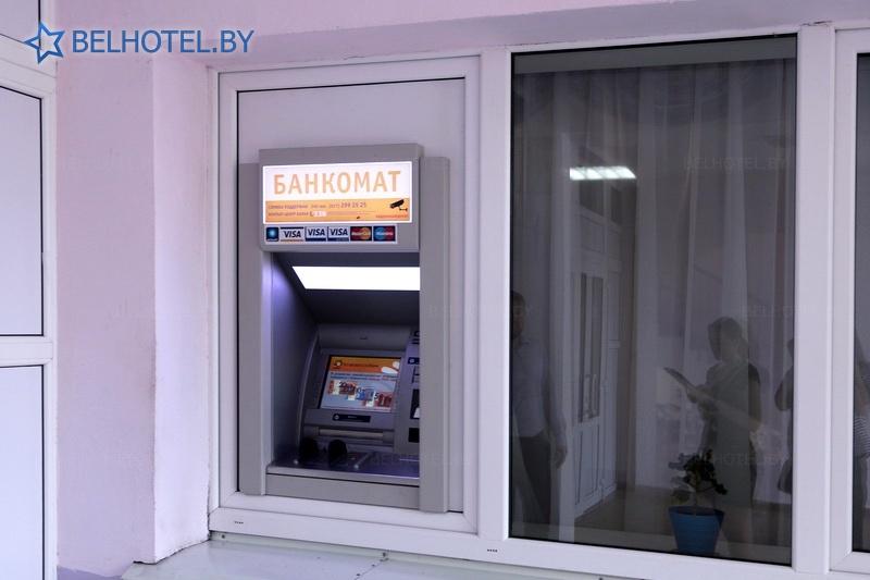 Гостиницы Белоруссии Беларуси - гостиничный комплекс Каменюки, корпус №2 - Банкомат