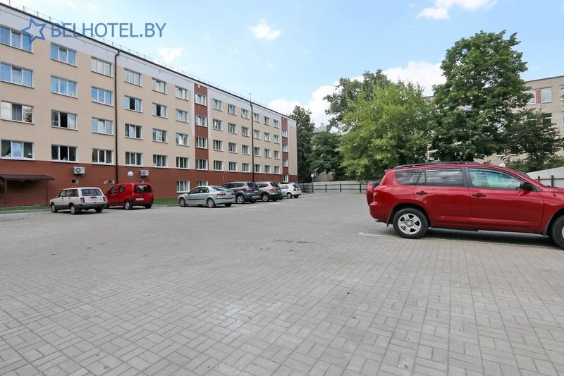 Гостиницы Белоруссии Беларуси - гостиница Амакс Визит - Автостоянка