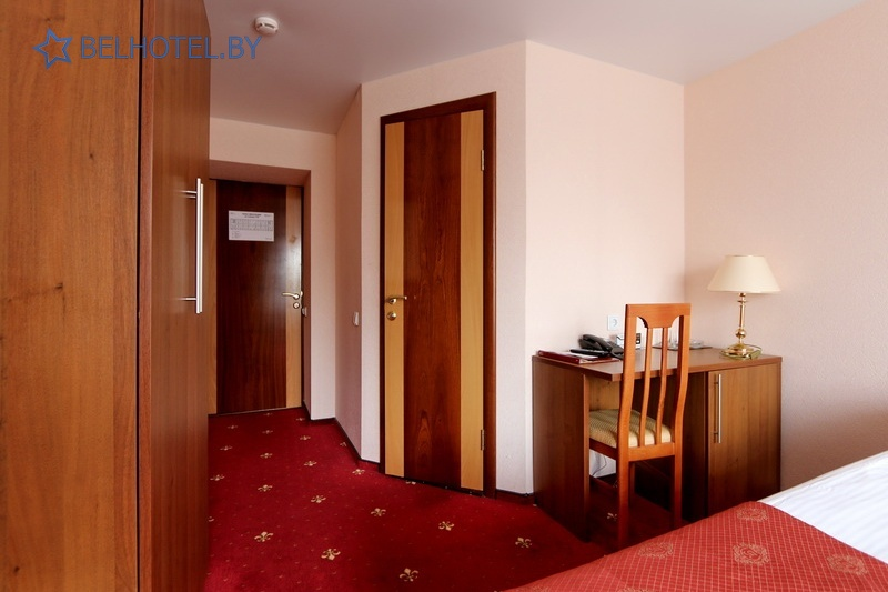 Гостиницы Белоруссии Беларуси - гостиница Амакс Визит - 2-местный 1-комнатный / Business / Twin