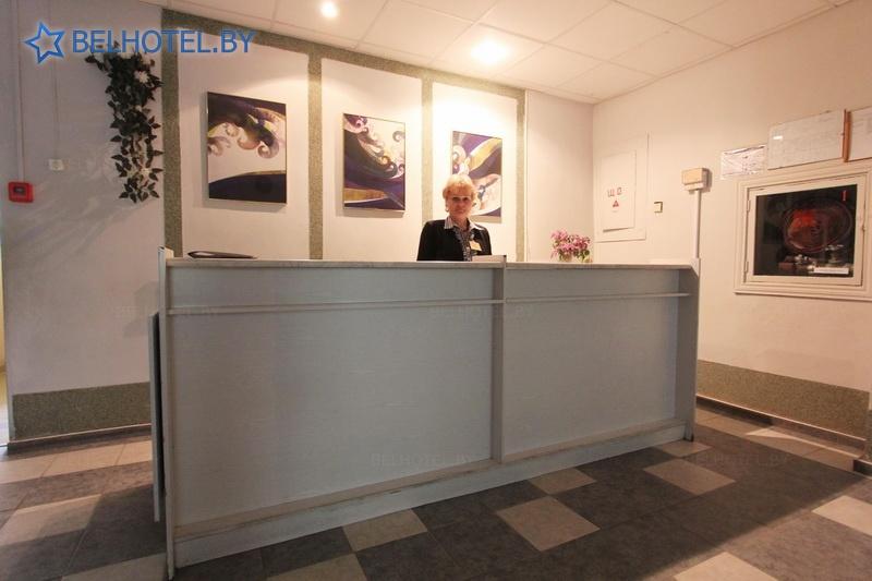 Hotels in Belarus - hotel complex Rodnik - Reception, hall