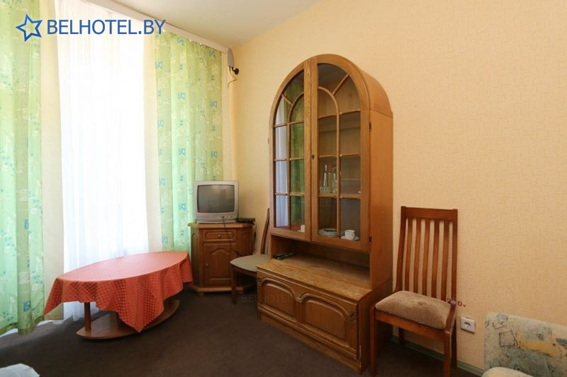 Hotels in Belarus - hotel complex Rodnik - single 2-room (high category)
