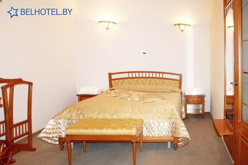 Гостиницы Белоруссии Беларуси - гостиница Мирский замок - 2-местный 1-комнатный люкс