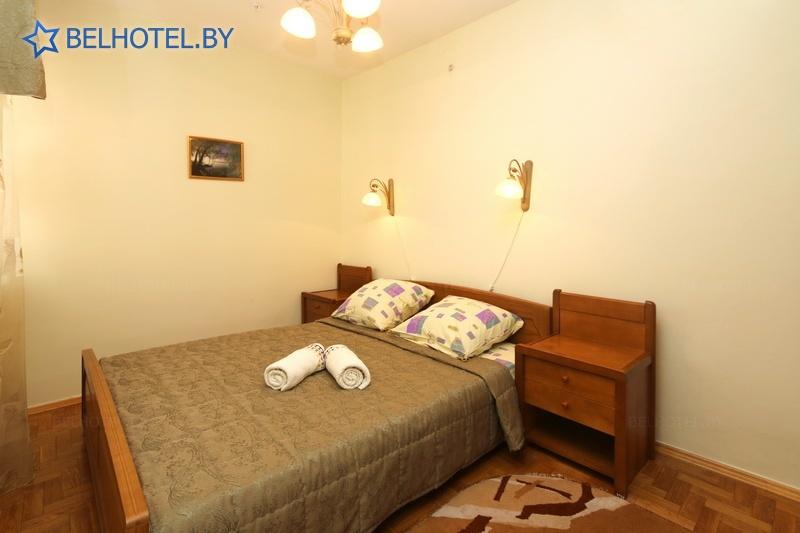 Гостиницы Белоруссии Беларуси - туристско-гостиничный комплекс Энергия - 2-местный 3-комнатный коттедж