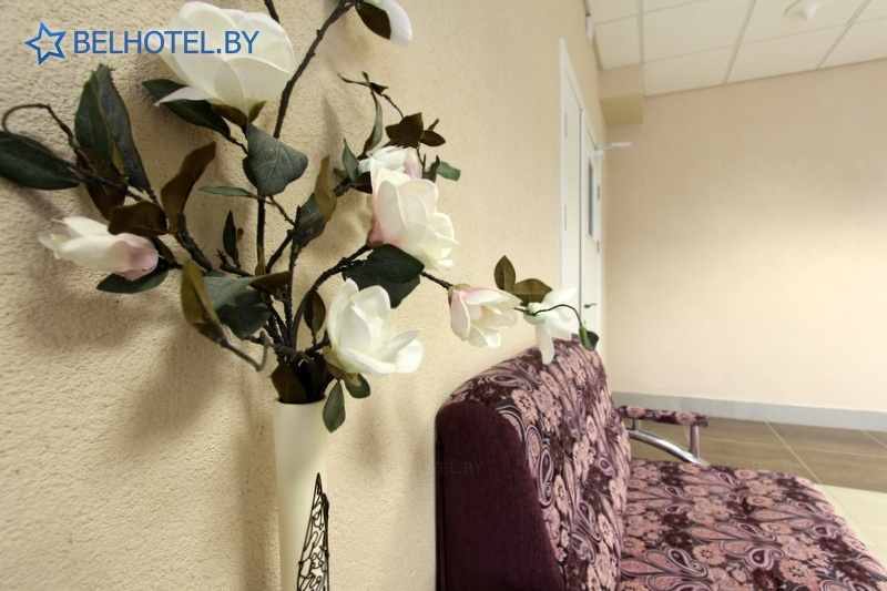 Гостиницы Белоруссии Беларуси - гостиница Белтаможсервис - Регистратура, холл