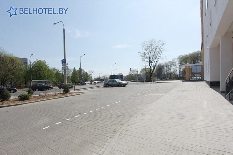 Hotels in Belarus - hotel BonHotel - Parking