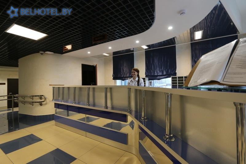Гостиницы Белоруссии Беларуси - гостиница Арена - Регистратура, холл