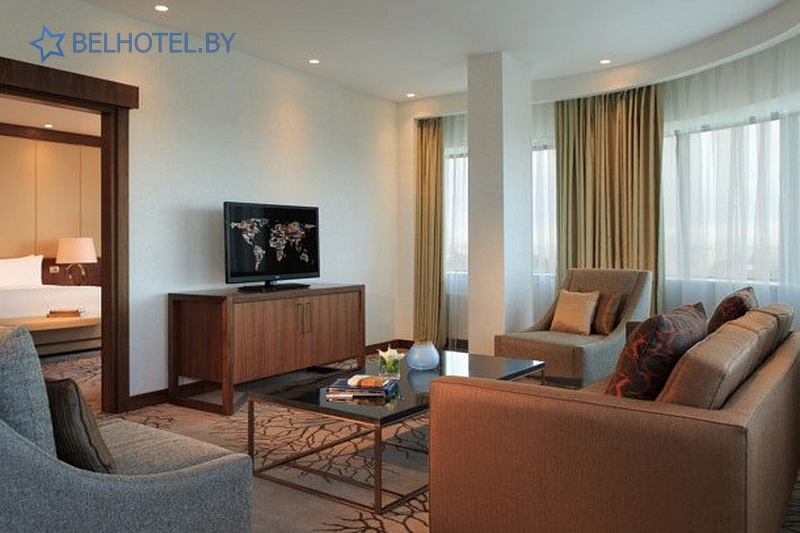 Гасцініцы Беларусі - гатэль Renaissance Minsk Hotel - 2-месны 2-пакаёвы / Corner Suite