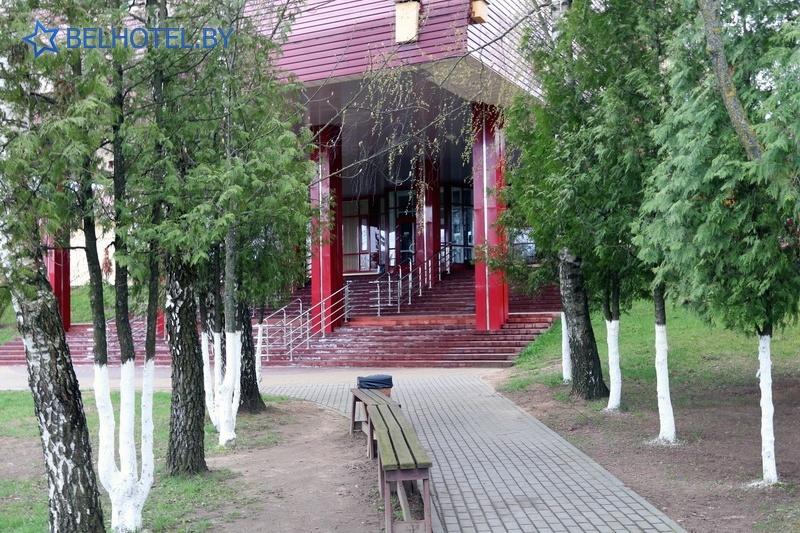Гасцініцы Беларусі - гасцінічны комплекс Ратамка - Знешні выгляд