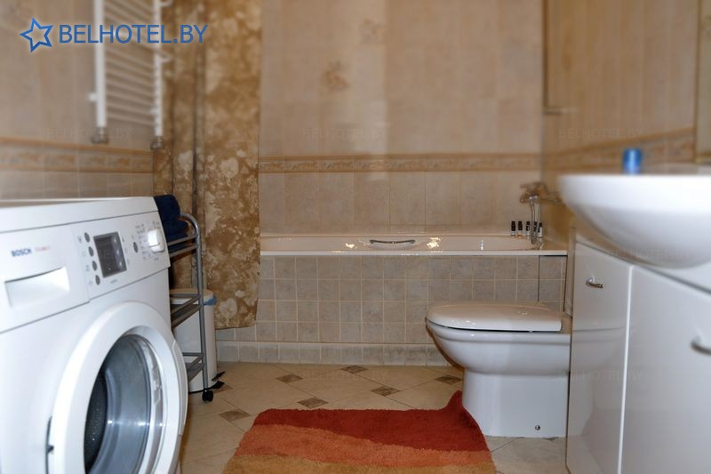 Hotels in Belarus - hotel Dom number 18 - double 1-room suite (with private pool) (guest House)
