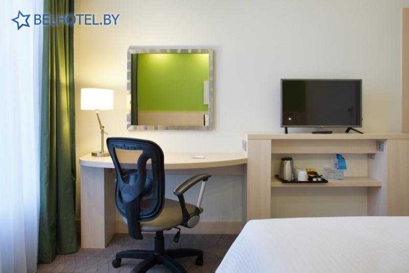 Hotels in Belarus - hotel Hampton by Hilton Minsk City Center - single 1-room Double-Twin Standard