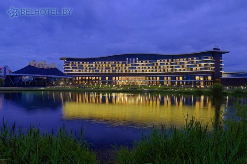 Гасцініцы Беларусі - гатэль Мінск Марыёт / Minsk Marriott Hotel - Знешні выгляд