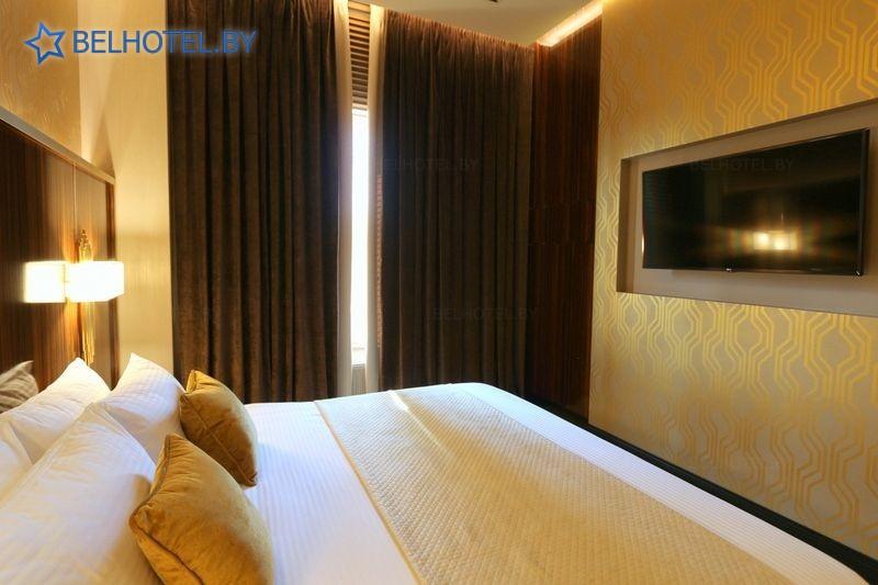 Гостиницы Белоруссии Беларуси - отель М1 - 4-местный 3-комнатный / President room (гостиница)